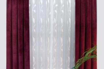 """Комплект: гардина и портьера. На портьере хорошо виден рисунок  шторной ленты """"Бантовая складка"""" шириной 15см сборкой 1:3,0, а на гадине - тесьма """"Смок"""" шириной 15см , с к-том сборки 1:2,0. Оба вида тесьмы  всегда можно купить со склада в Украине оптом и на отрез"""