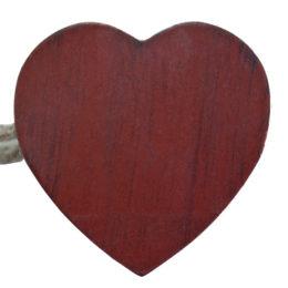 Магнит для штор с пятью сердечками из дерева. Размер сердечка 5см. Обхват шнурами 50см. Цвета: бордо, т.серый, беленый дуб, т.беж.
