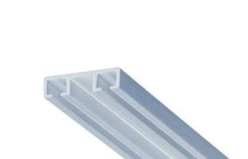 Пластиковый гибкий карниз для штор арт. 412118. Двух- канальный. Ширина 3см; высота 0,8см. Производство Германия.